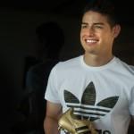 James Rodríguez posa en ropa interior para marca colombiana
