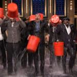 """La campaña """"El reto del balde con hielo"""" se volvió viral en internet"""