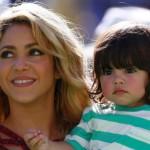 Video de Shakira enseñándole a leer a Milan