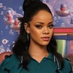 Rihanna inhalando cocaína