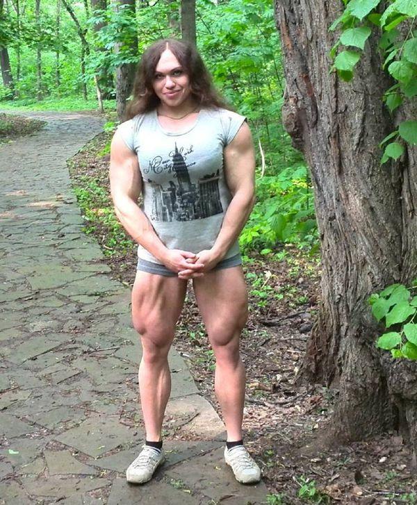 Aumentar el pecho del ejercicio con las pesas