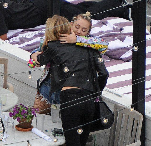 novia de Miley Cyrus