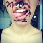 Divertidas fotos de una mujer que convirtió sus labios en caricaturas