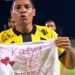 Martín Arzuaga proponiéndole matrimonio a Katya