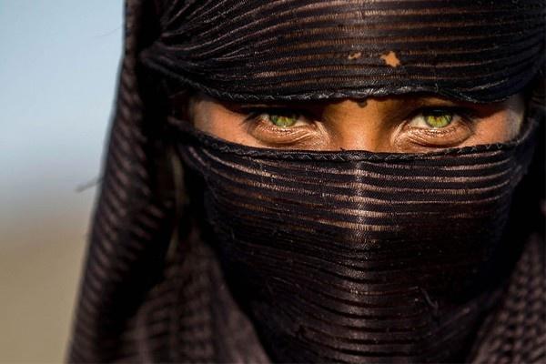 Los ojos más bellos del mundo a veces se ocultan detrás de férreas barreras culturales