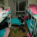 compartir un pequeño apartamento con 25 personas
