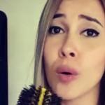 Manuela Gomez cantando