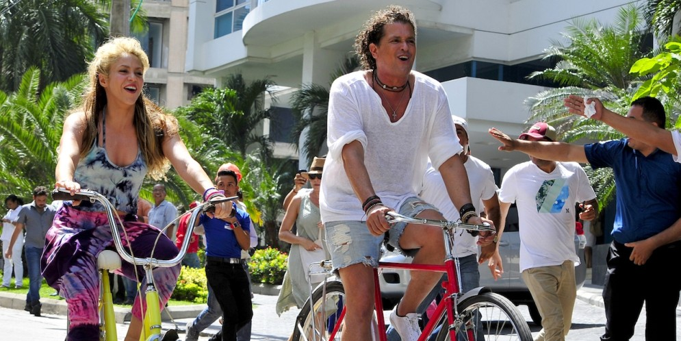Recompensa por la bicicleta de Carlos Vives indigna a las redes sociales