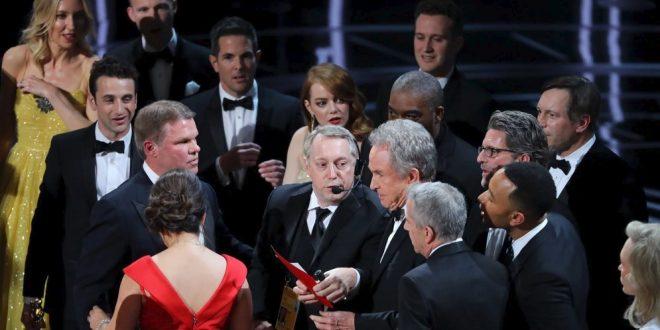 Un divertido video mostró la verdadera causa de la equivocación en los Óscar