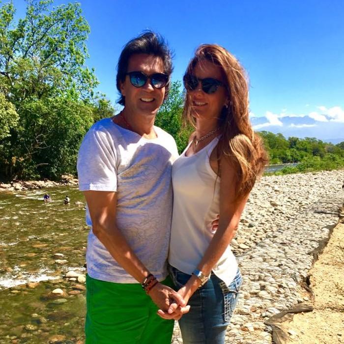 Ricardo Leyva y su esposa
