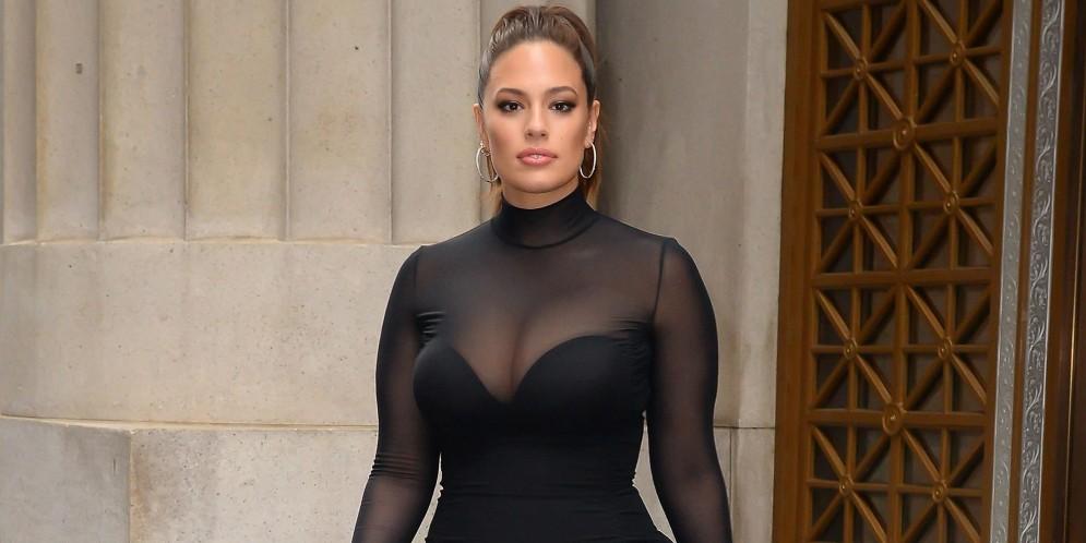 La modelo de tallas grandes más famosa del mundo y su estilo inspirado en Kim Kardashian